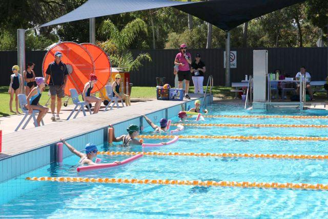 Walford-Girls-outdoor-pool
