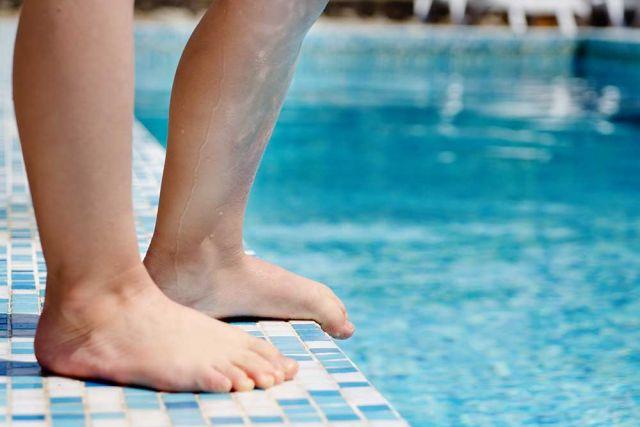 Gastro-and-swimming